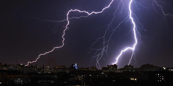 lightning bolt in dark sky